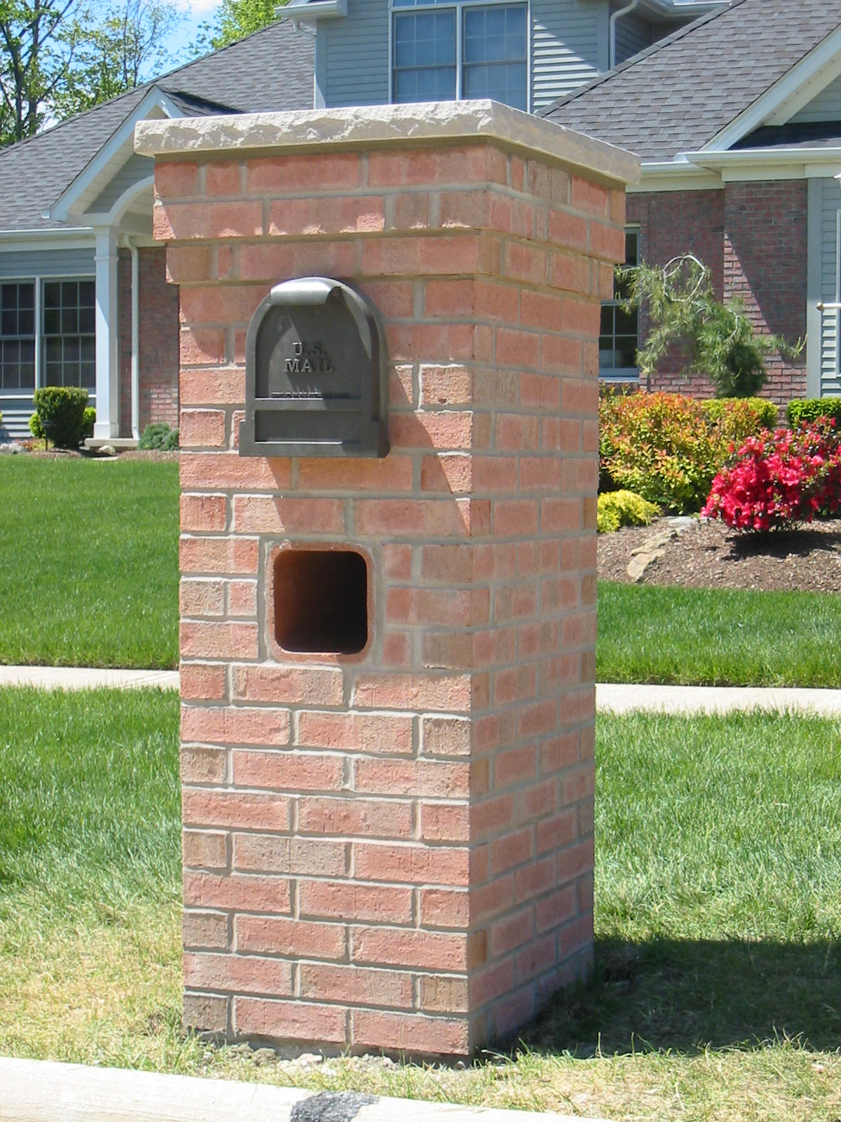 Mailbox ideas for modern homes marc and mandy show for Best mailbox design