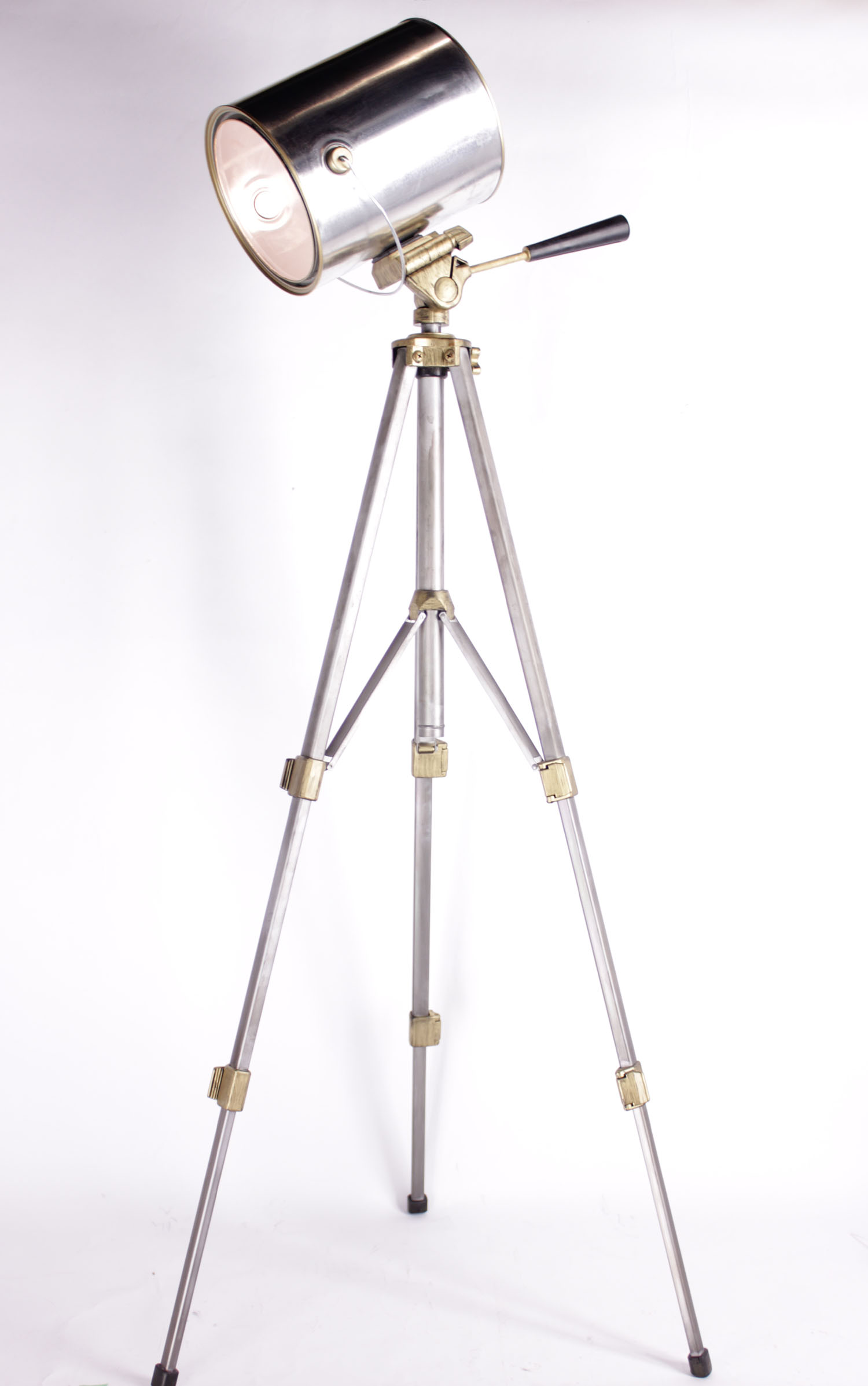 Diy spotlight floor lamp marc and mandy show - Tripod spotlight lamp ...
