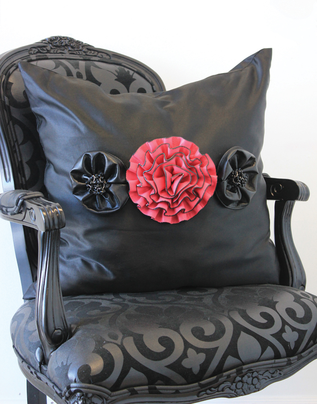 DIY Flower Throw Pillow