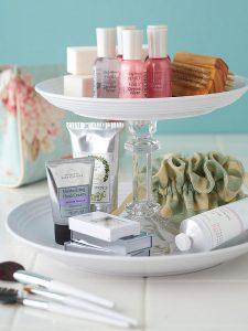 , 10 Creative DIY Storage Tips for Small Bathrooms