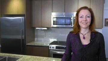 M&M_S04E04_Caroline Vincent_ShelfGenie Well Organized Kitchen 1