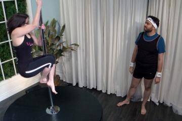 M&M_S04E11_Cassie Bouchard_Pole Dancing Workout 4