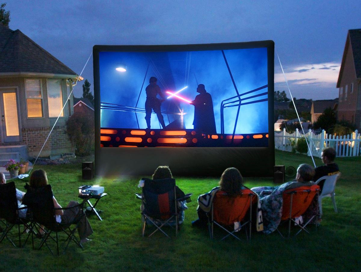 , How to Create an Outdoor Movie Theatre in Your Backyard