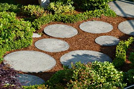 Photo Source: Canadian Home Trends, Seven Simple, but Sophisticated Garden Pathways