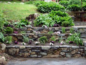 small-rocks-retaining-walls