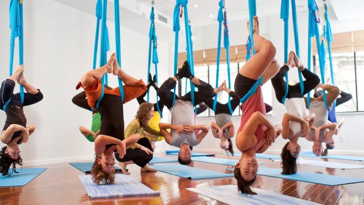 health-fitness-2014-04-aerial-yoga-main