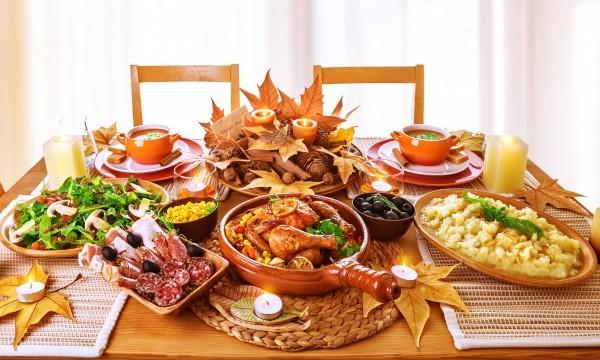 , 10 Tips to Surviving Thanksgiving When You're Hosting