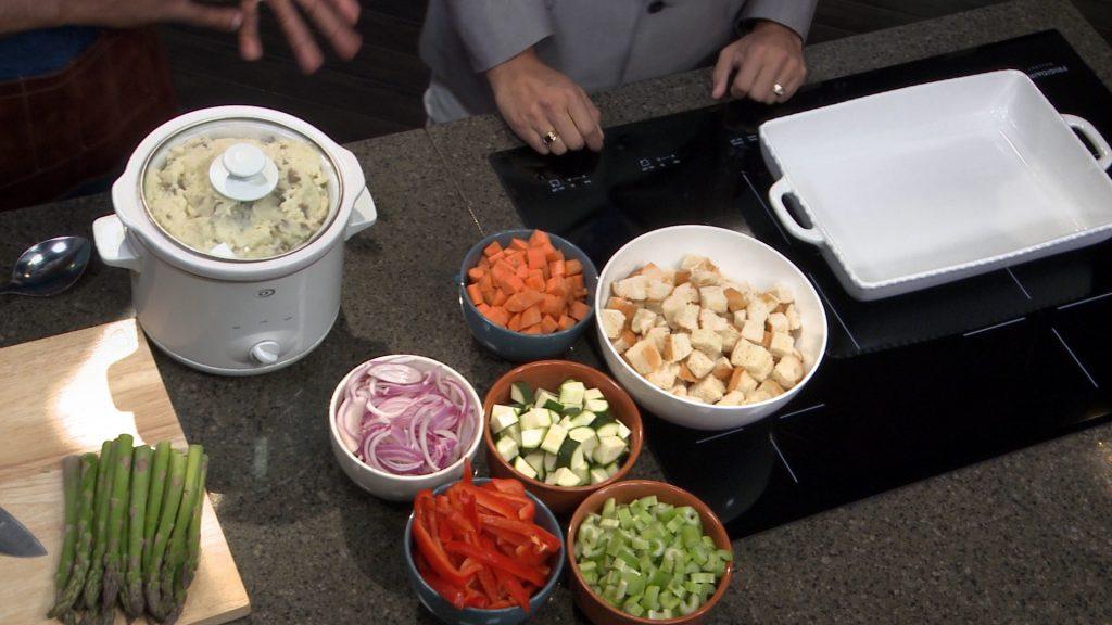 mm_s06e10_chef-rob_thanksgiving-dinner-hacks-3
