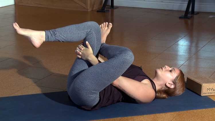 M&M_S10E12_Marissa Rykiss_Yoga_Threading the Needle