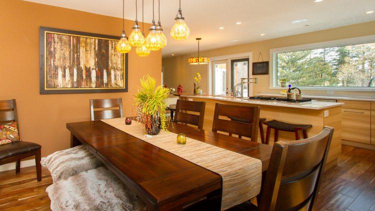 M&M_S12E08_Kelsey Kosman_Renos Plus_Dining Room