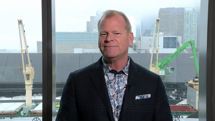 M&M_S13E13_Mike Holmes_Renovation & Trends Tip