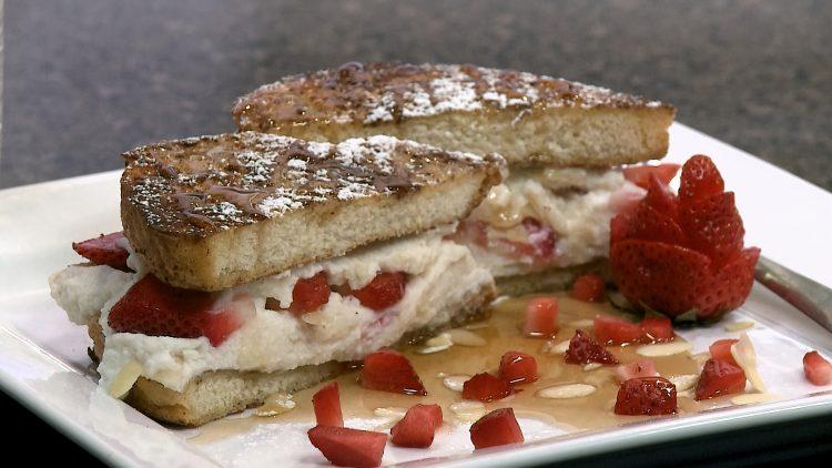 M&M_S14E05_Strawberry Ricotta French Toast