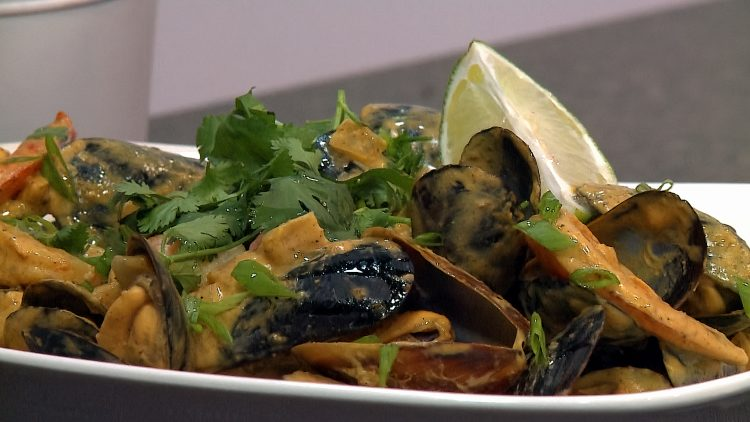 M&M_S14E04_Rob Thomas_Coconut Curry Mussels