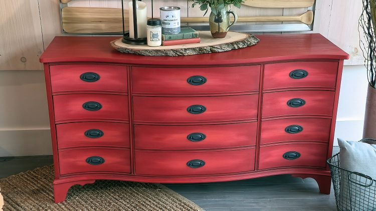 M&M_S14E08_Joannie Petroff_Chalk Paint Your Furniture