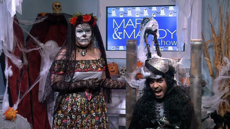 M&M_S15E01_Halloween Host Chat