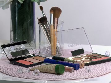 M&M_S15E03_Sarah Brooker_Quick & Easy Makeup Routine