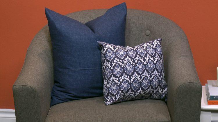 M&M_S15E04_DIY Accent Pillow Covers