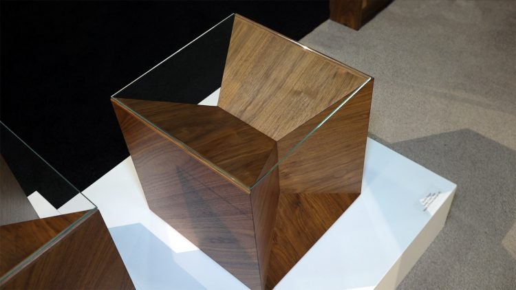 M&M_S15E04_Karla-Dreyer_Switzer-Cult-Geometric-Furniture