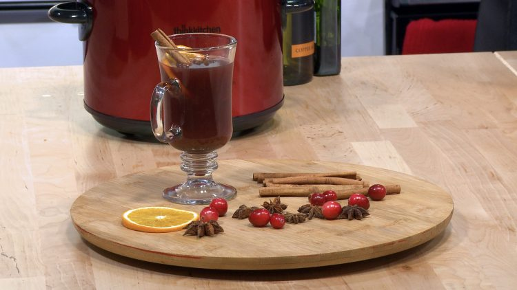M&M_S15E06_Mulled Wine Recipe