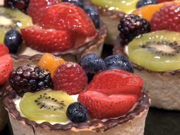 M&M_S16E02_Linda Peters_Wedding Desserts_Cake Alternatives