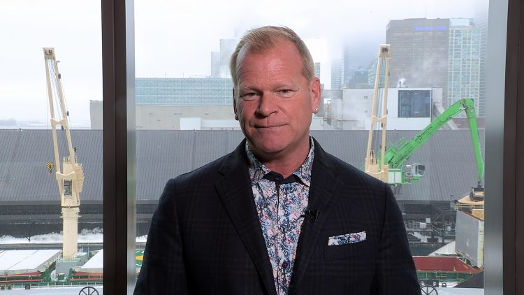 M&M_S16E05_Mike Holmes_Common Problems With Bathroom Renoations