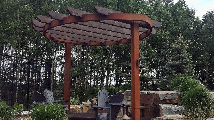 M&M_S16E11_Joanne Dafoe_Trends in Outdoor Living Design