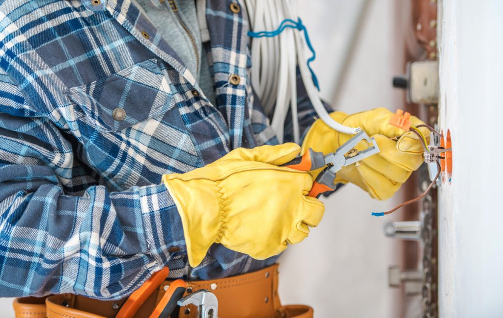 , Top Qualities of an Electrical Contractor