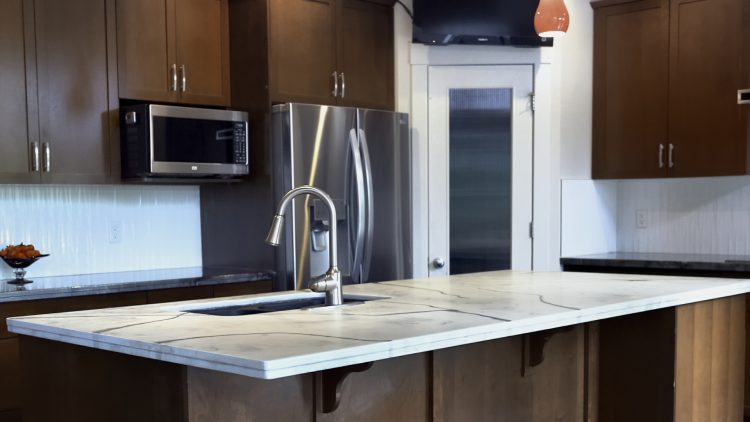 M&M_S17E11_Marnie Pallesen_Poly Boss Countertops