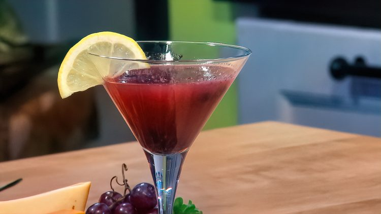 M&M_S18E02_Pete Evans_Prairie Berry Martini