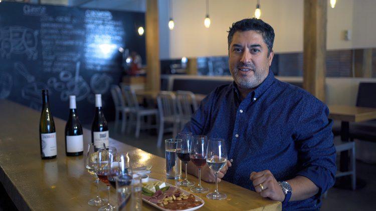 M&M_S19E03_Carlos Gomes_Vancouver Food Tour