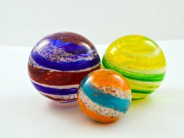 M&M_S19E05_Mandy Patchin_Memmoral Glass Blown Pieces