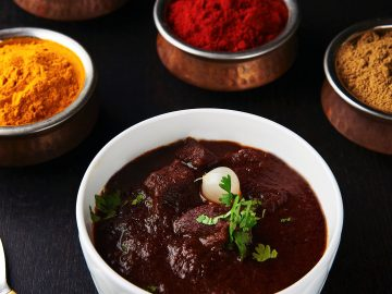M&M_S19E12_Dvira Ovadia & Paul Sindhu_Ambiyan Restaurant