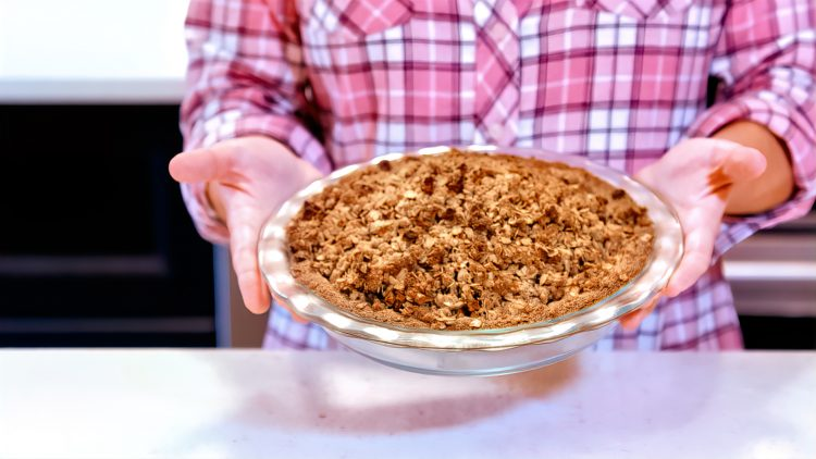 M&M_S20E01_Mel Woodworth_Dutch Apple Pie