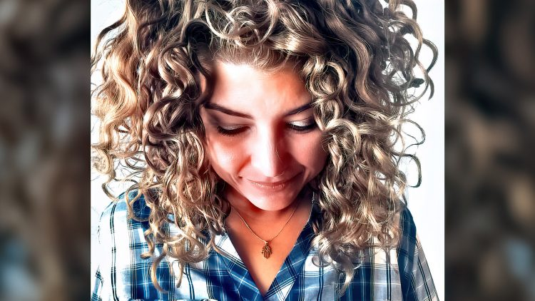 M&M_S21E05_Kim Dykstra_Tips on Keeping Curly Hair Hydrated in Cold Climates