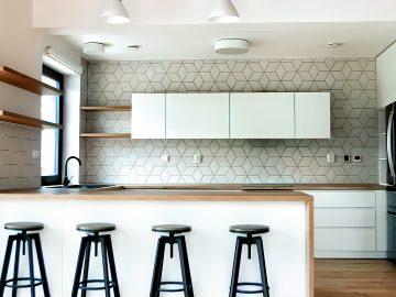 M&M_S21E13_Mickey Fabbiano & Sebastian Sevallo_More Kitchen Reno Advice