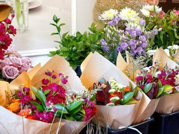 M&M_S22E02_Brittney De Paola_Floral Subscriptions as a Gift