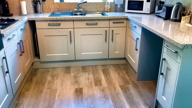 M&M_S24E04_Deb Varner_Granite Transformations Cabinet Refacing