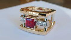 M&M_S24E05_John Watson_Shoppin' Around at Roger Watson Jewellers