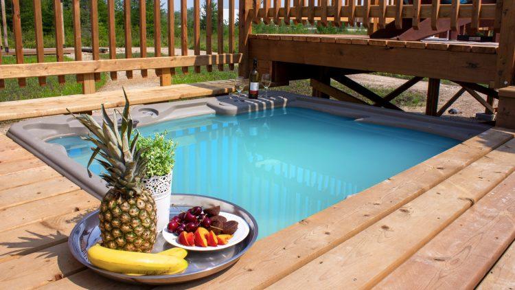 M&M_S25E03_Pool Supplies Canada_A Balanced Backyard