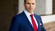 buying-agent-navy-suit